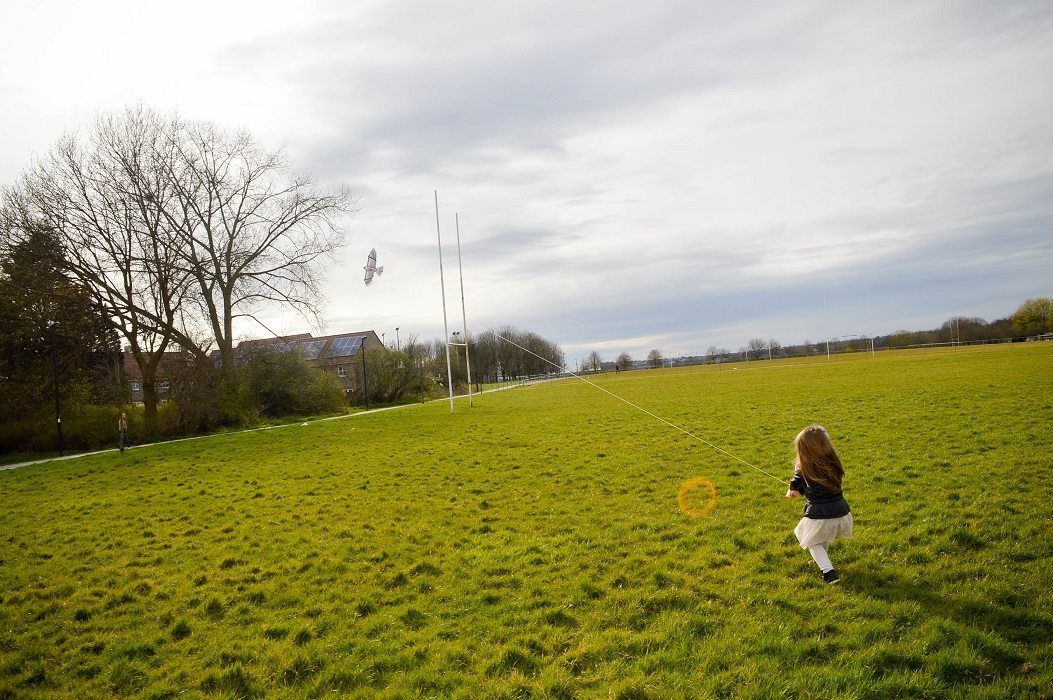 Why You Should Fly A Kite With Your Child? 3