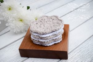 Face scrubbies wooden tray