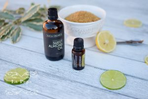 Eco Beauty | Homemade Sugar and Almond Oil Scrub